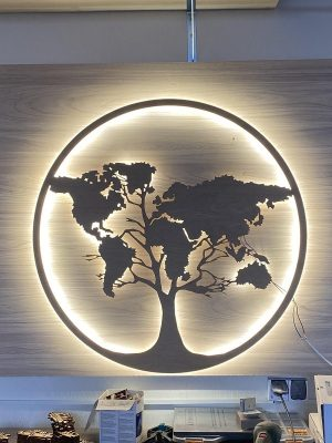 Thiết kế chữ nổi ấn tượng của hộp đèn quảng cáo