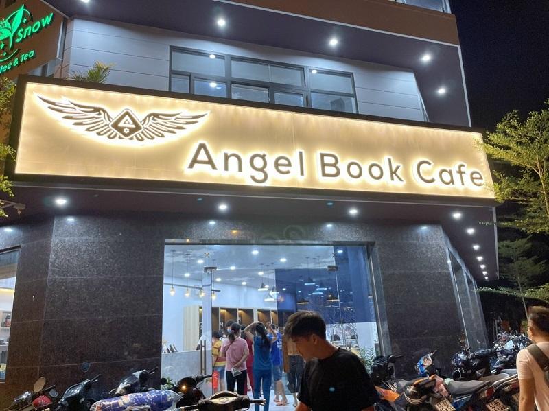 Bảng hiệu quán cafe angel book có đèn